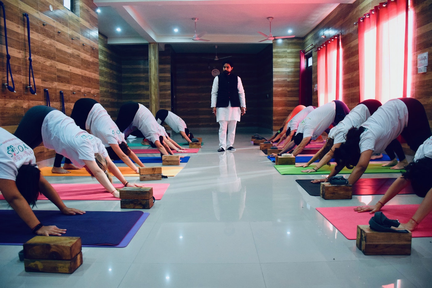 Best Yoga Teacher Training School In Rishikesh India Rys 200
